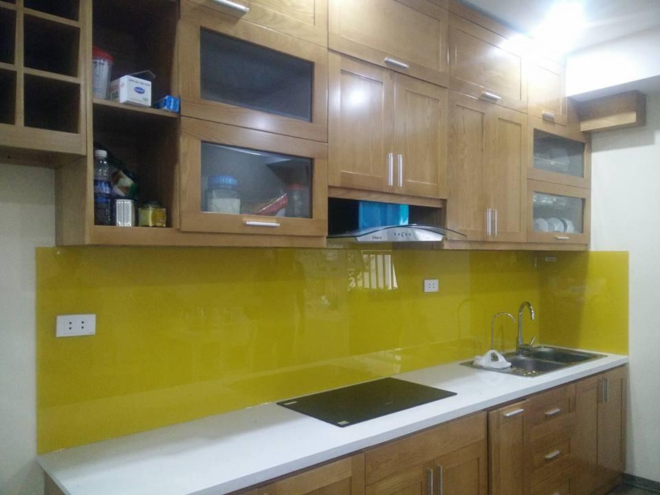 Kính màu ốp bếp vàng chanh