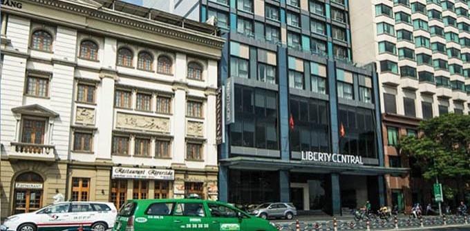 Phục hồi kính trầy xước khách sạn LibertyCentral Sài Gòn