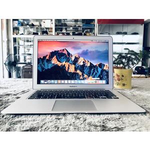 Macbook Air MC965 || i5-1.6GHz || Ram 4G/SSD 128G || 13