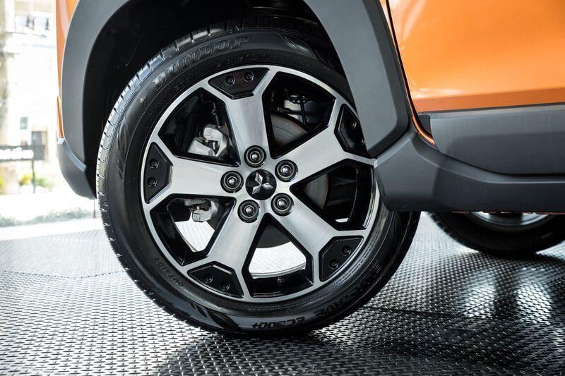 Mâm xe 17 inch được trang bị trên Xpander bản Cross