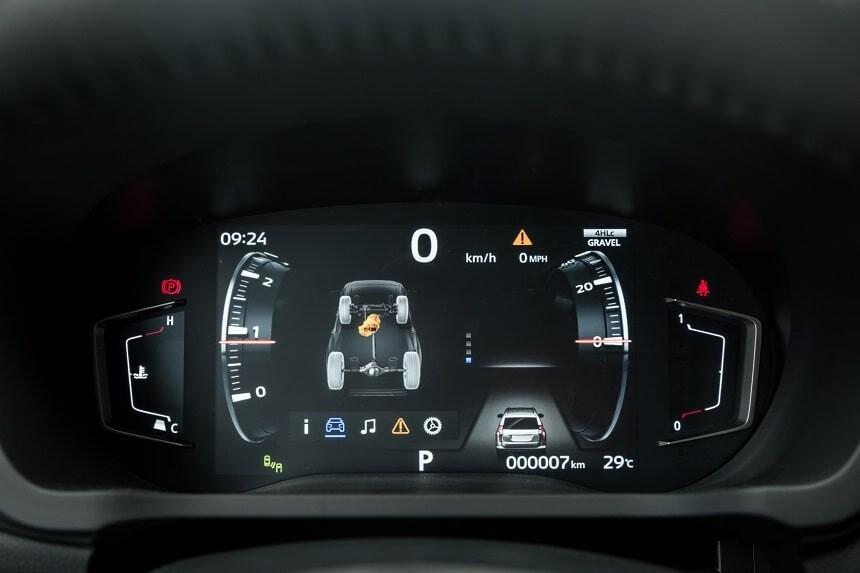 Màn hình công tơ mét kỹ thuật số trên Pajero Sport 2020