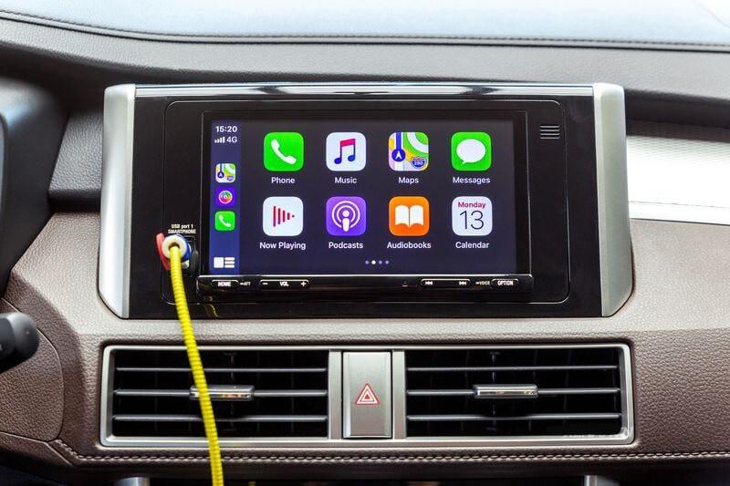 Màn hình cảm ứng 7 inch kết nối Apple Carplay và Android Auto trên Xpander Cross