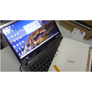 màn hình laptop acer Z09 m3 z09