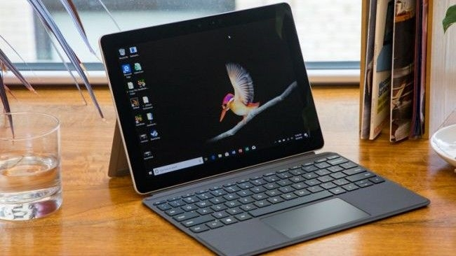 Surface go 2    Intel core M3  8GB Ram  SSD 128Gb   10.5''  WIN 10S  LTE