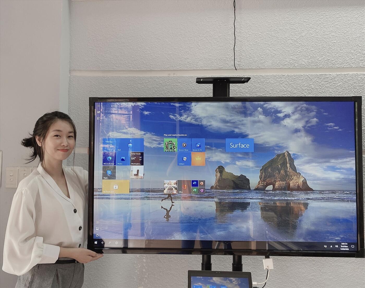 Màn hình tivi tương tác thông minh 4K 55 in