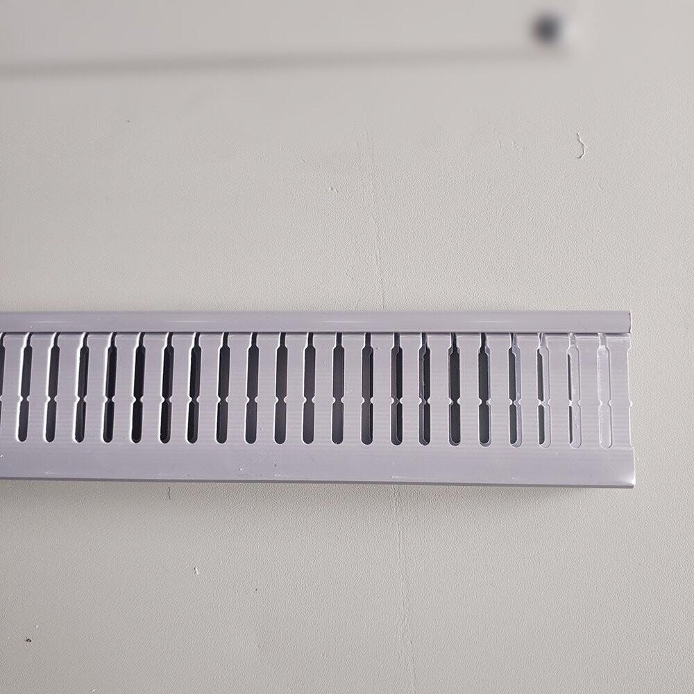 Máng nhựa đi dây điện 60x25 màu ghi đẹp