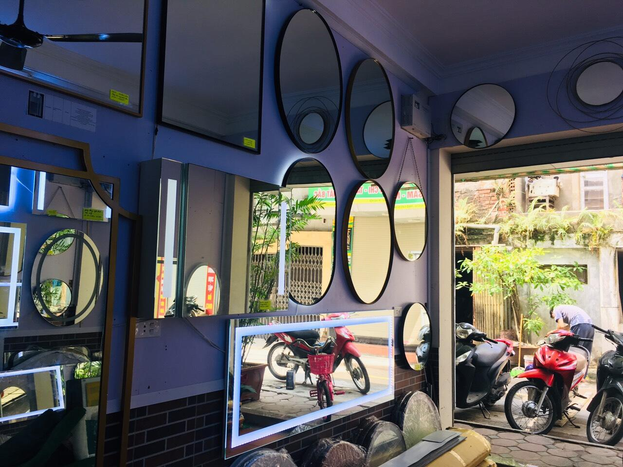 Sản xuất gương treo tường theo yêu cầu