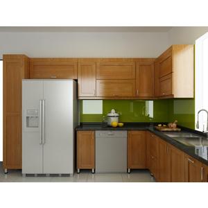 Mẫu kính màu ốp tường bếp đẹp
