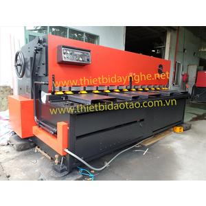 Máy cắt tôn Amada S3065
