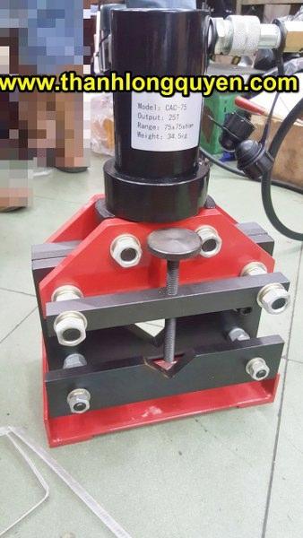máy cắt sắt v thủy lực