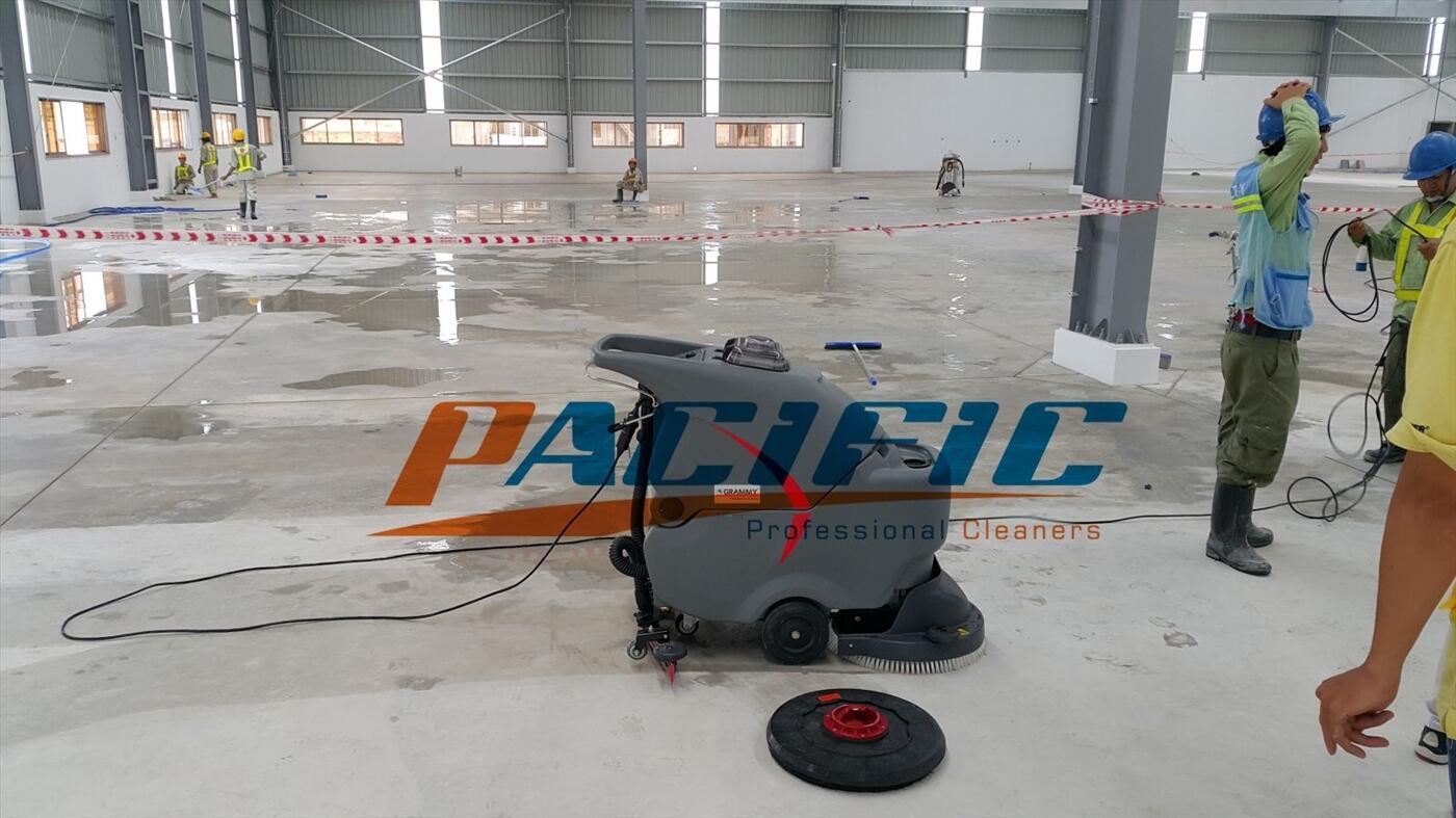 Máy chà sàn liên hợp cho nhà xưởng , nhà máy sản xuất