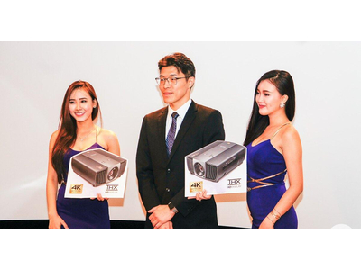 Máy Chiếu 4k dùng cho gia đình và phòng chiếu phim mini