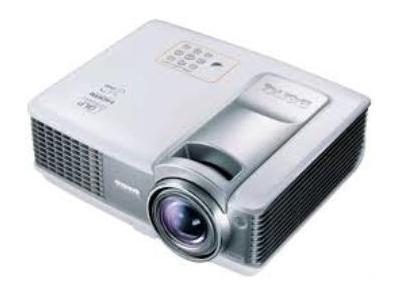 Máy chiếu Panasonic PT-LB2VEA bị mờ, đốm tím phải làm gì?