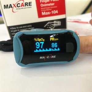 Máy đo nhịp tim và nồng độ oxy Maxcare Max-104