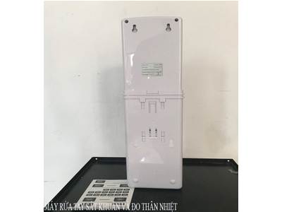 Máy đo thân nhiệt và xịt nước khử trùng đa năng K9X