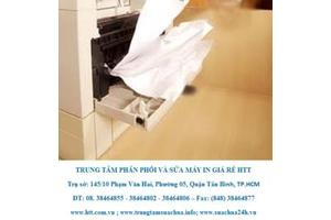Máy in thường xuyên bị kẹt giấy, trang in bị nhăn