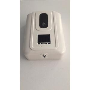 Quán ăn dùng máy đo thân nhiệt - khử khuẩn tuân thủ qui tắc 5K