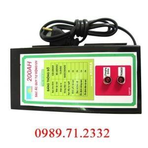 Máy Sạc ắc quy tự động Hitech Power 12V - 200Ah
