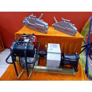 Máy tời cáp động cơ chạy xăng/ dầu JM-8