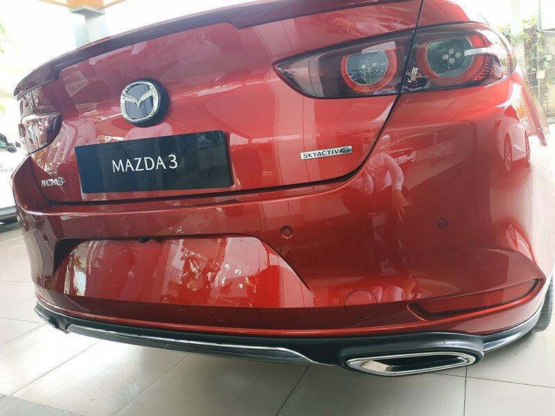 Mazda 3 1.5L Deluxe 2021