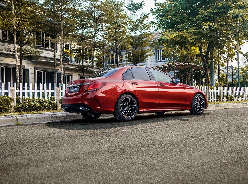 Mercedes-Benz AMG C300 2021