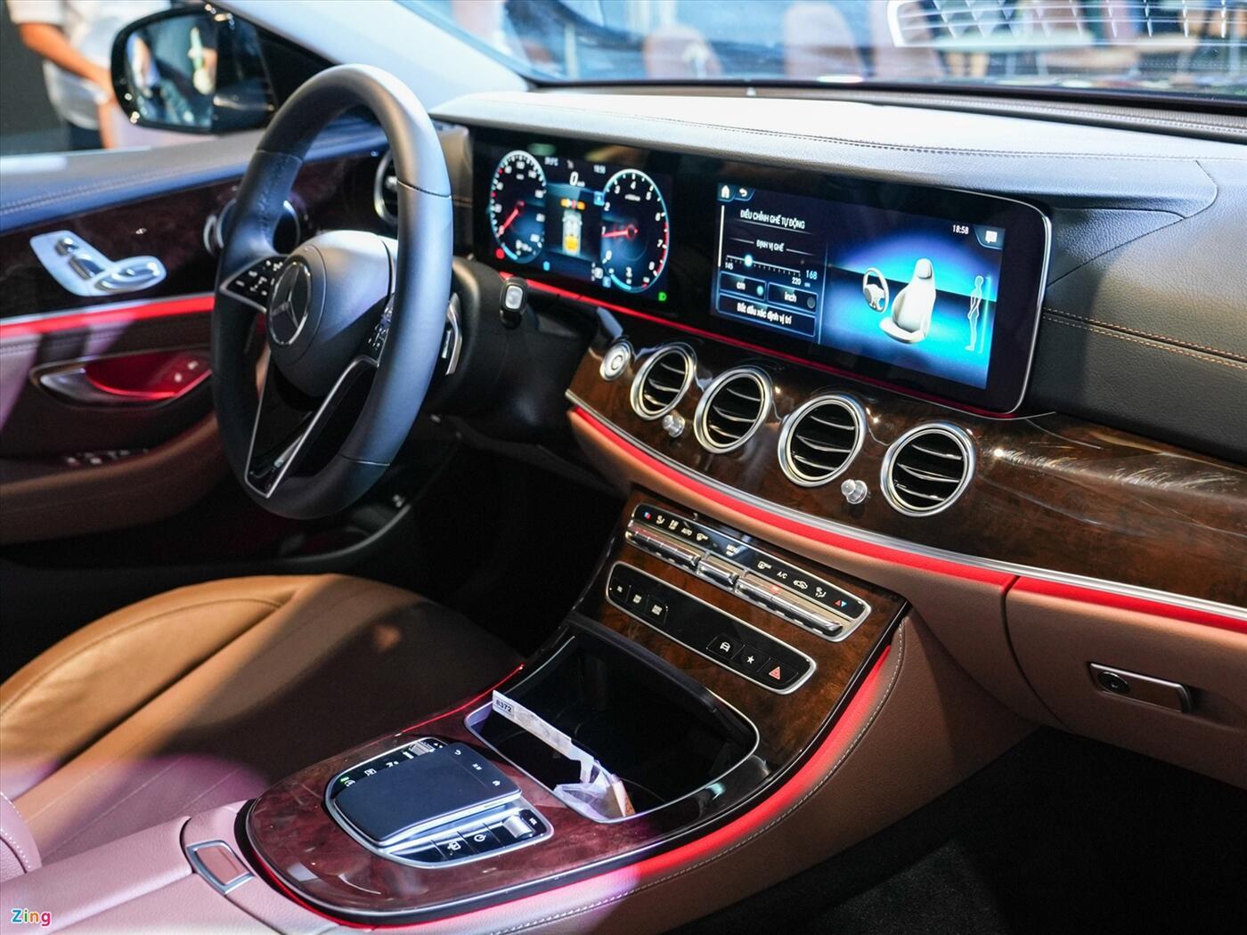 Mercedes Benz E300 AMG 2021