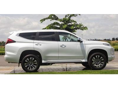 """Mitsubishi Ninh Bình - Bình luận về xe """"Mitsubishi Pajero Sport 2020 đọ Toyota Fortuner"""""""