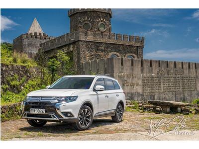 Mitsubishi Outlander 2.4L 2 cầu, sự khác biệt so với Honda CRV 1 cầu