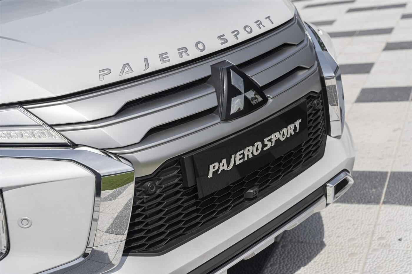 Mitsubishi New Pajero Sport Diesel 4x2 AT