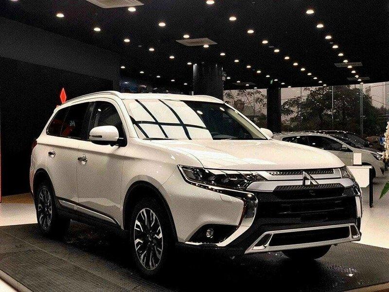 Mitsubishi Triton 4x4 AT Mivec - Hình 1