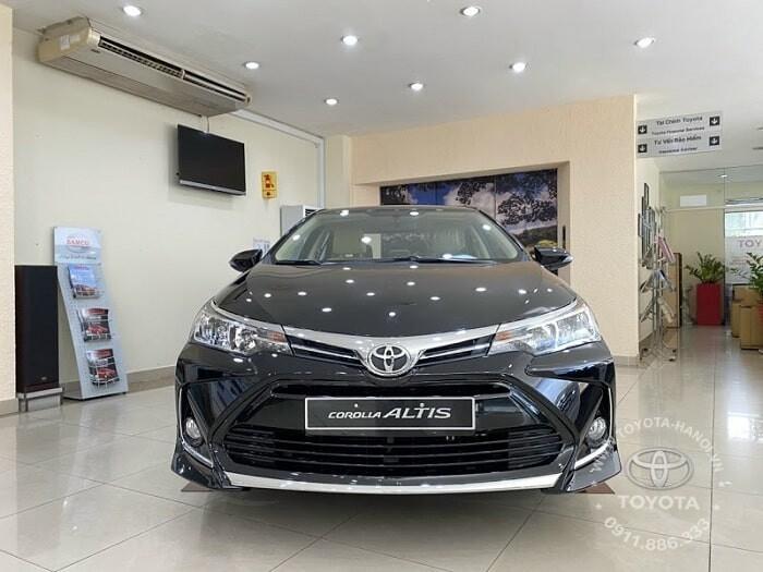 Đầu xe Toyota Altis 1.8E 2021