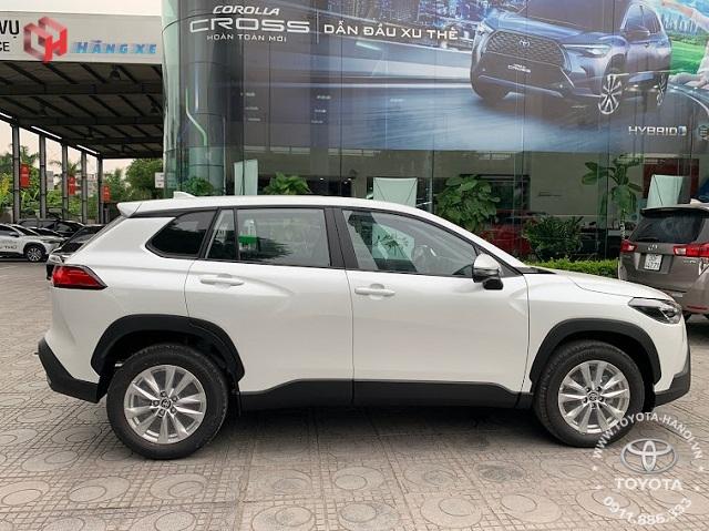 Ngoại thất xe Toyota Cross 1.8G 2021 màu trắng ngọc trai