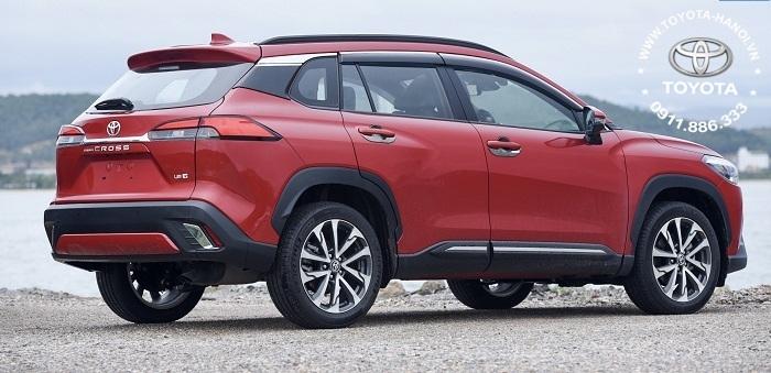 Ngoại thất xe toyota Cross 1.8v bản xăng cao cấp 2021 màu đỏ