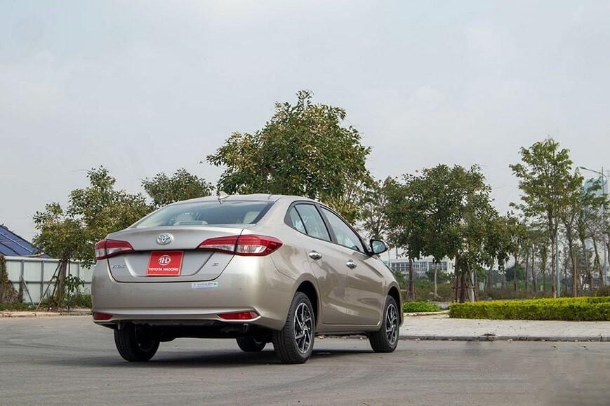 Ngoại thất xe Toyota Vios G CVT bản đủ