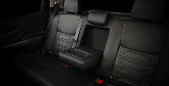 Nissan Navara E (Máy dầu) - Hình 14