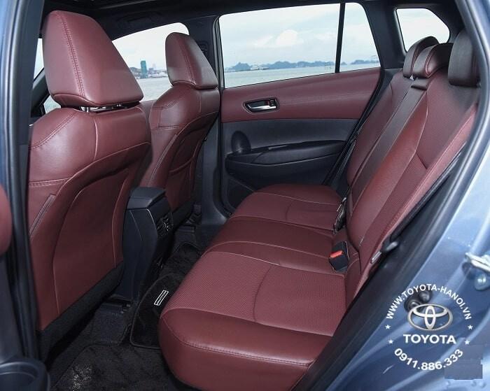Hàng ghế sau xe cross 1.8g màu nâu đỏ