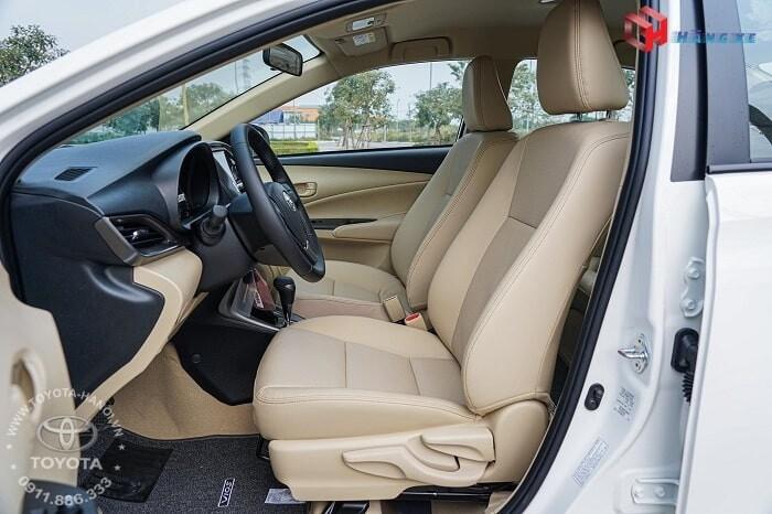 Hàng ghế trước xe Vios E CVT tự động 2021