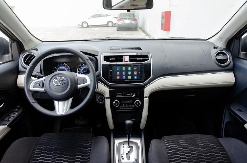 Nội thất xe 7 chỗ giá rẻ Toyota Rush