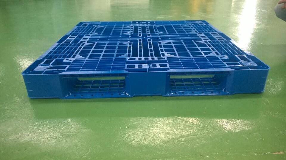 pallet nhựa HDPE