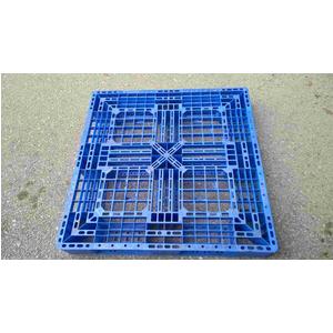 Pallet nhựa 1100x1100x150mm màu xanh
