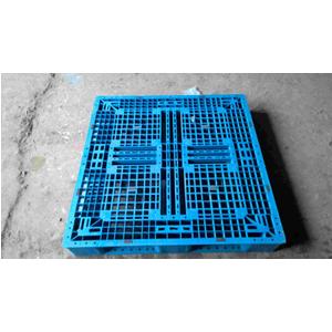 Pallet nhựa 1100x1100x150mm nhiều màu xanh