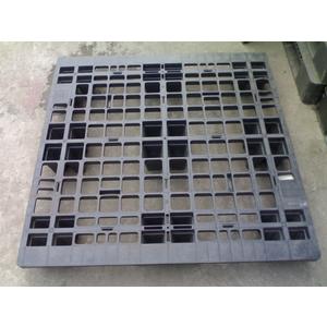 Pallet nhựa 1100x1100x145mm dạng chân cốc