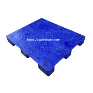 Pallet nhựa màu xanh cũ mặt kín KT 1200x1000x150 mm