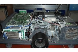 Panasonic LP 51 kính phân cực màu