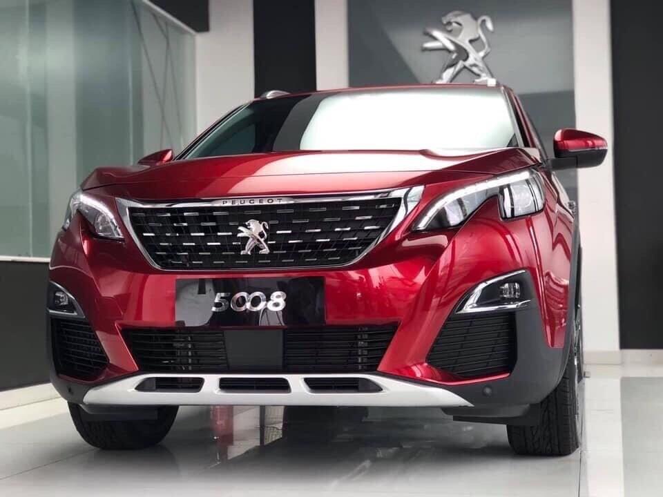 Peugeot 5008 Allure SUV 7 chỗ - Đỏ