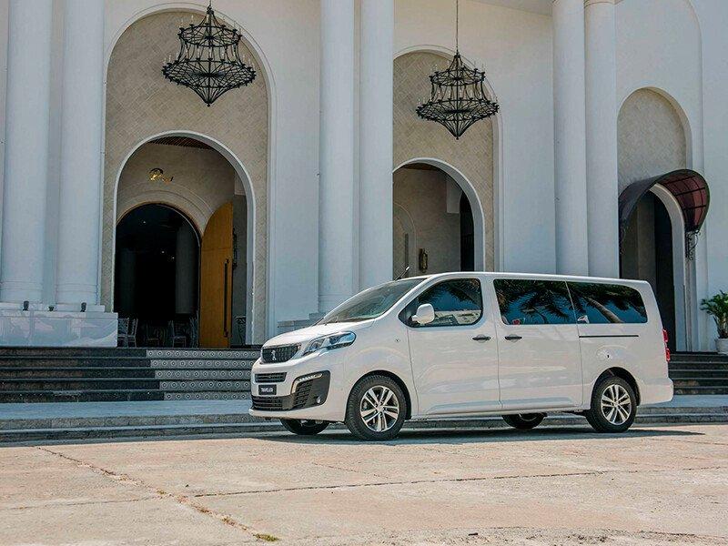 Peugeot Traveller 2021 - Hình 2