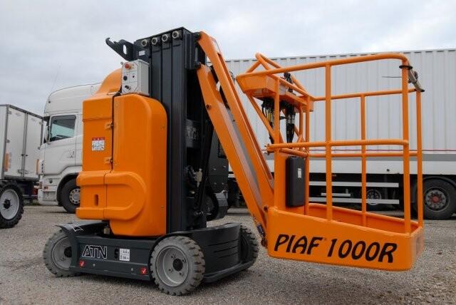 Xe nâng người PIAF1000R