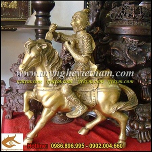 Phong hầu tượng cao 30cm bằng đồng mặc áo giáp cầm ấn