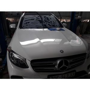 Phục hồi kính xước cho Mercedes-Benz GLC