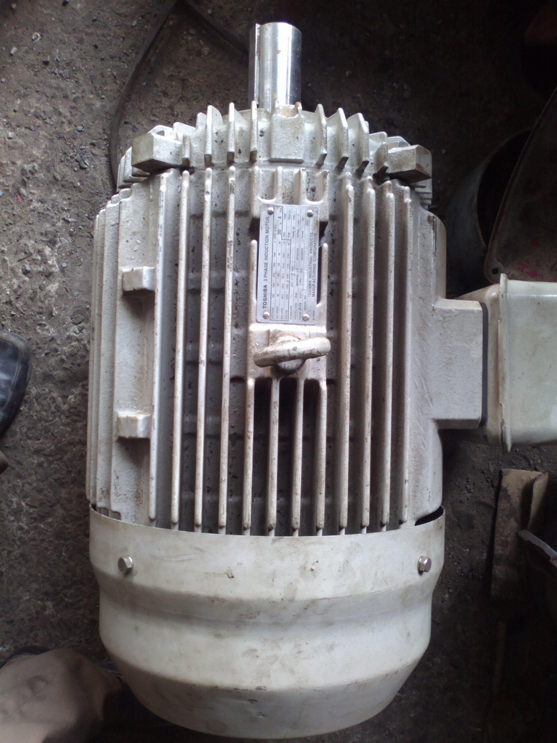 Motor Toshiba 30kw 4pole B3